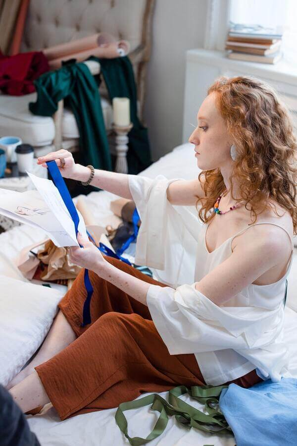 Un ruban bleu de tissu